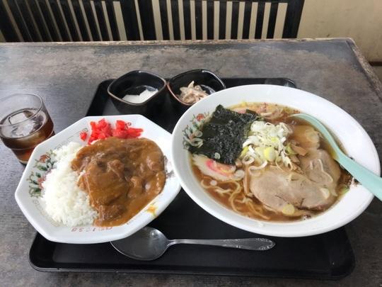 17.12.15 ゆたかや食堂3.jpg